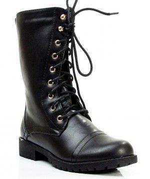 Botas lace up, encuentra más estilos de botas militares  aquí...http://www.1001consejos.com/botas-estilo-militar/