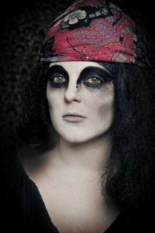 idée costume et maquillage Halloween prêtresse vaudou