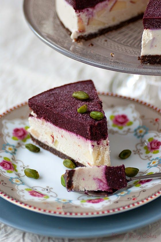 Rohe Schoko-Apfel-Blaubeer-Torte