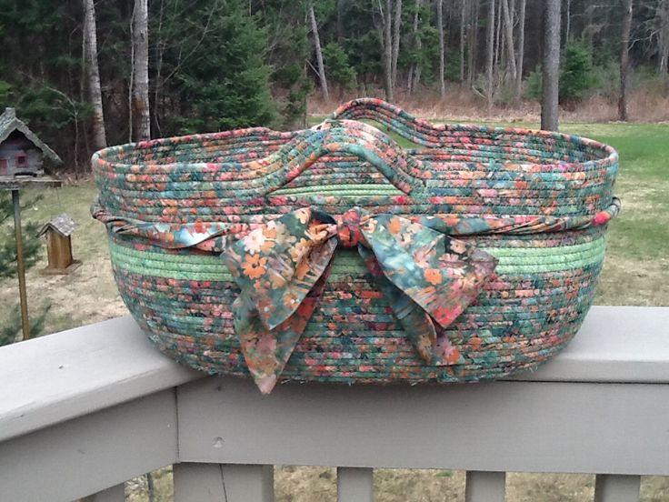 Clothesline basket