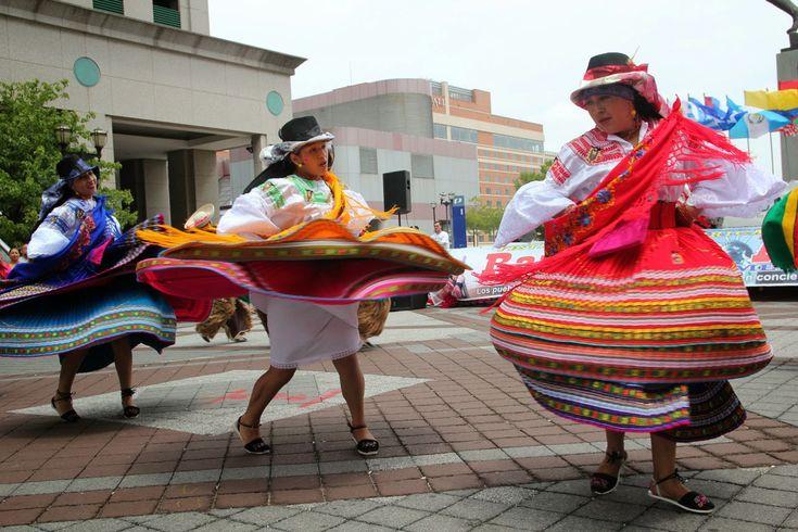 Vestimenta Tradicional Ecuatoriana - Grupo folclórico ecuatoriano