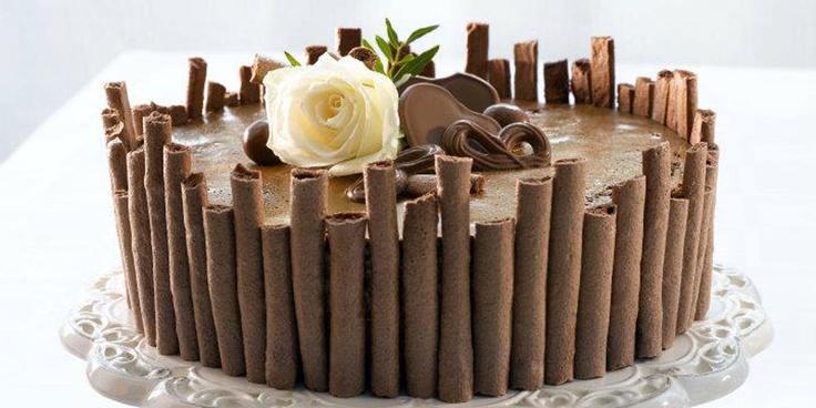 Idalux - Sjokoladekake med nøttebunn og sjokolademousse