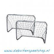 Set voetbaldoeltjes.  €29.-   http://www.debuitenspeelshop.nl/voetbaldoelen/gegalvaniseerd/voetbaldoeltjes-set/