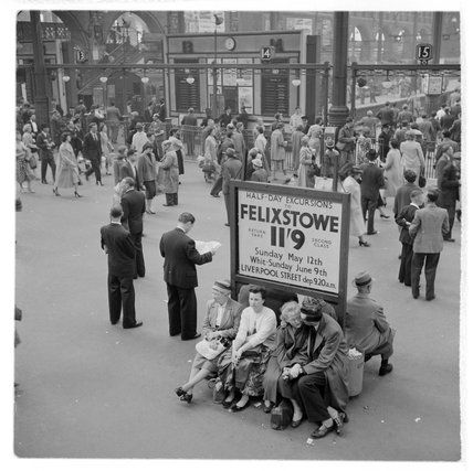 Bob Collins -- Passengers at Liverpool Street Station; 1960 -- High quality art prints, framed prints, canvases -- Museum of London Prints