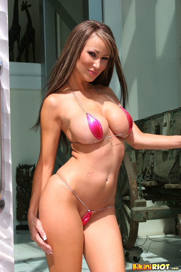 Babe jayd lovely with big tits wearing pink dress