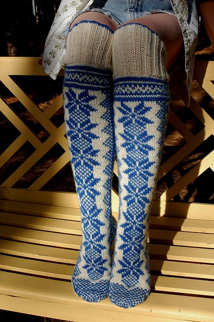 Ravelry: pencilinthepines' nowegian socks with selbu star