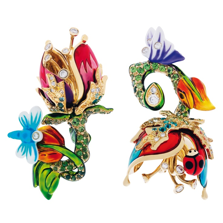 Carnivora Devorus Earrings - Dior (A Kiss from a Rose Earrings Nugget Red Green Blue Pink Gold - Yellow Push back Round shape Sapphire Gold - color Garnet Diamond)