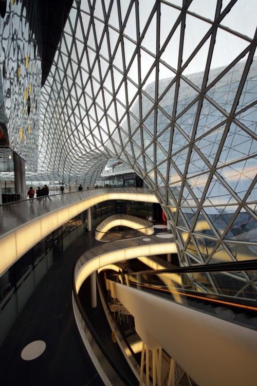 Frankfurt Shopping Mall designer Fuksas