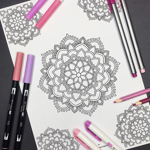 ║F R E E 🌸 P R I N T A B L E 🌸C O L O R I N G P A G E║  It's time for another MANDALA MONDAY. Every monday I share a free printable download of a mandala (for personal use only). Link in bio. I would love to see what you do with my drawings, whether it is adding color, details or something else. Be creative! ✨