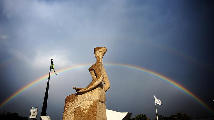 estátua da justiça no supremo tribunal federal/brasília
