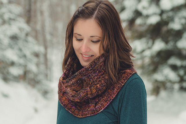 Powder Hill pattern by Sara Gresbach. malabrigo Mecha in Piedras colorway.