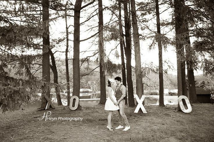 @Kate Connolly 's  awesome #retro #vintage pre-wedding photo session had adorable props like these XOXO letters #toocute