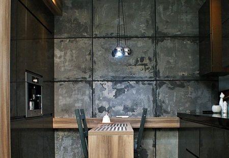 Szara kuchnia z betonem na ścianie od STYLdeco Tychy. Przeczytaj opinie o Styldeco Tychy. Produkujemy meble kuchenne, meble biurowe, meble na wymiar, meble łazienkowe, meble pokojowe - Tychy http://superstolarz.pl