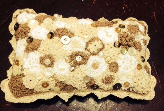 Cojin de aplicaciones en crochet cojines crochet - Aplicaciones en crochet ...