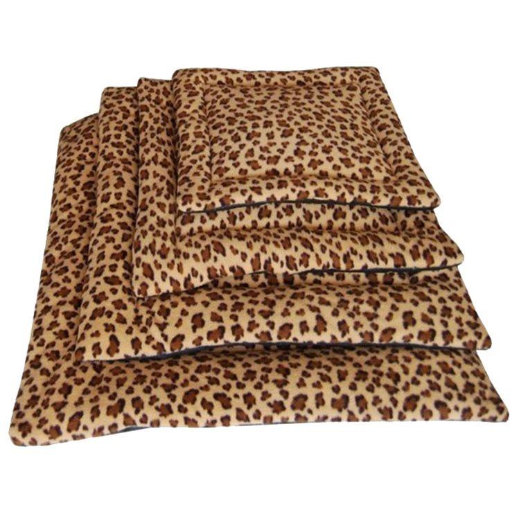 Barato 2015 inverno New leopardo cão pequeno tapete quente lã macia Dog Pet canil filhote de cachorro do gato tapete de cama Pad canil almofada 1 pçs/lote, Compro Qualidade Tripé & acessórios diretamente de fornecedores da China: Creative Dog House Dog Bed Litter Corsair Nest Kennel Cats Waterloo Comfortable and Warm Personalized Medium Size 1set/l
