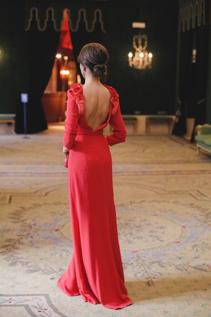 Look Invitada Boda Noche Vestido Rojo Largo Espalda En 2019