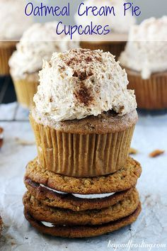 Brown Sugar Spice Cupcakes with Oatmeal Cream Pie Frosting | beyondfrosting.com…