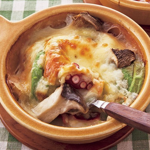 【夕飯レシピ】ホワイトソースいらず。長いもを使ったヘルシー時短おかず「たことアボカドの長いもソースグラタン」 - レタスクラブニュース