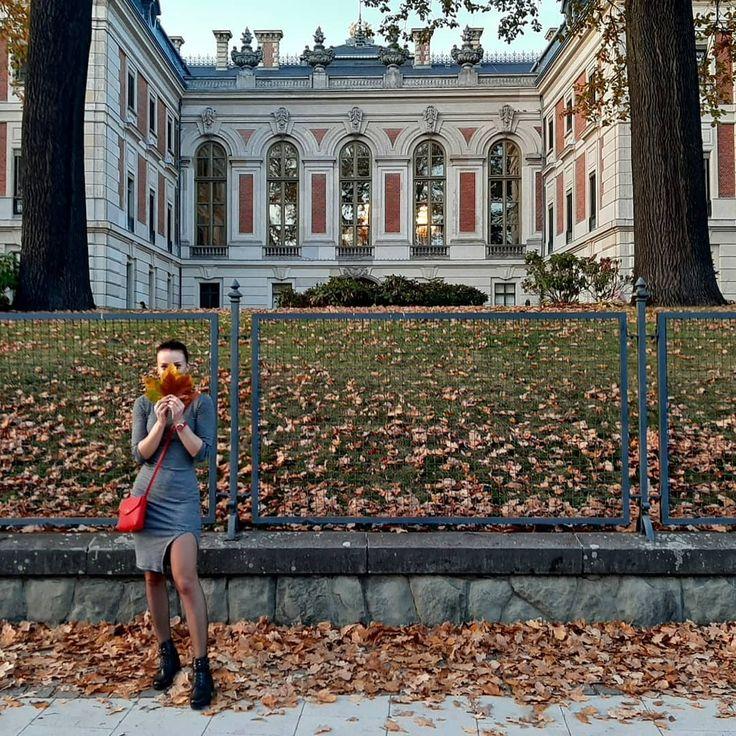 Jesienne spacerki 🧡 🍂#autumn 》 #colorful #leaves #autumnleaves #resttime #polishwoman