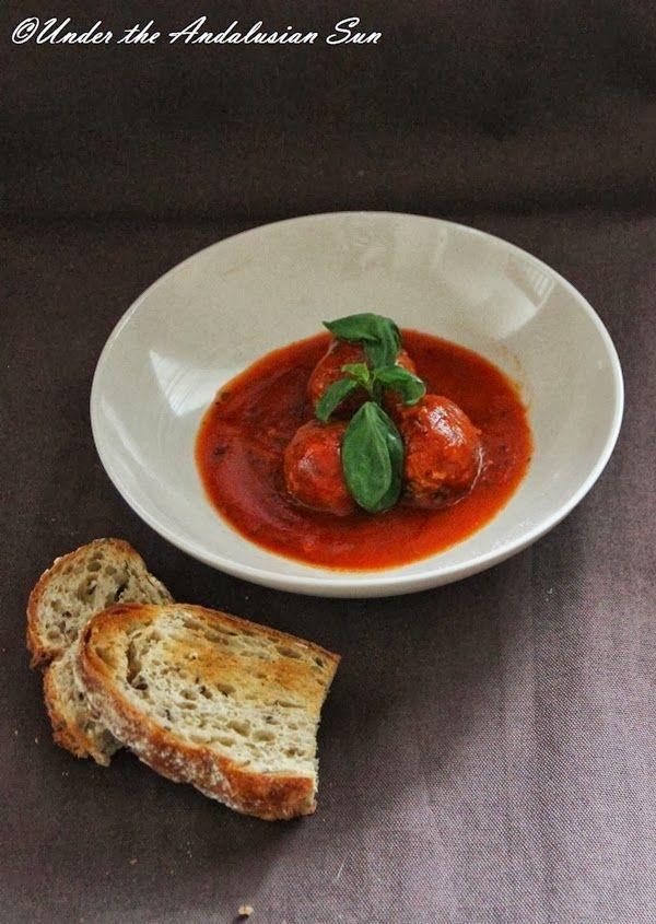 Andalusian auringossa-ruokablogi: Albondigas en salsa de tomato - espanjalaiset lihapullat