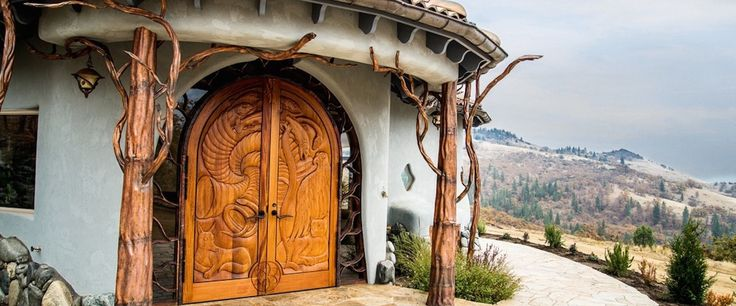 Shining Hand Ranch, in Ashland, Oregon is for sale but wizards only need apply. A mere $8.2 million can ensconce you and yours in this hobbit house on the west...