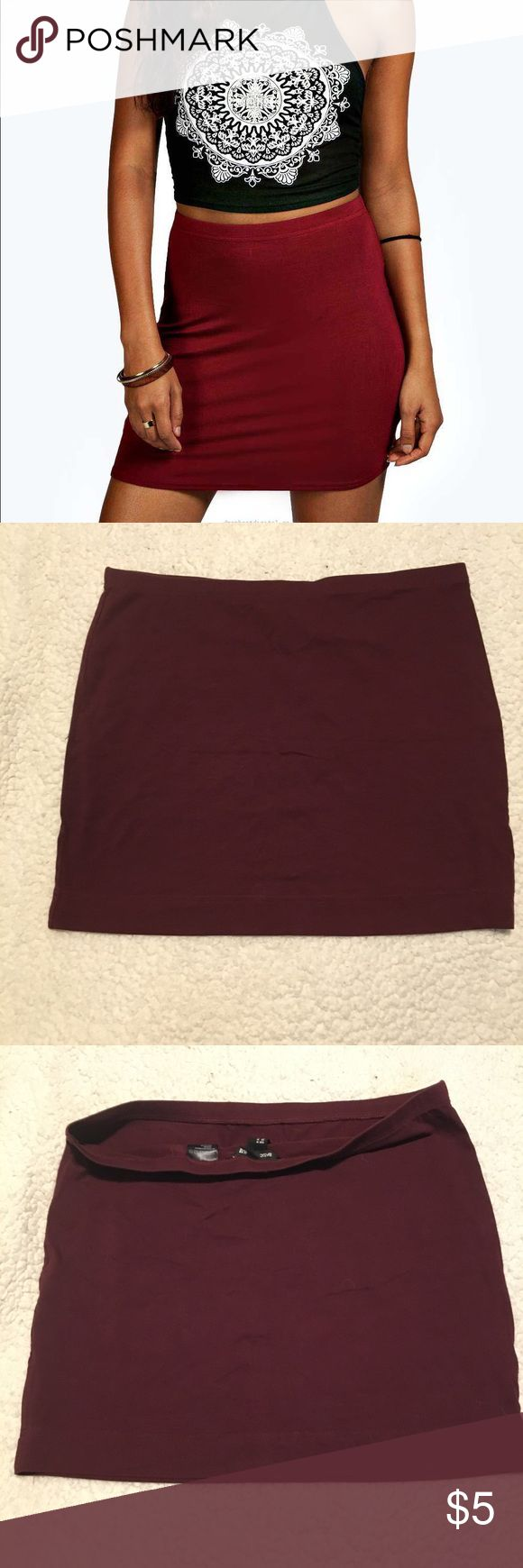 ⭐️4 for $15⭐️ H&M Basic Jersey Mini Skirt Sz Med H&M Basic Jersey Mini Skirt Sz Med  In good condition, worn once No holes or stains Size: medium Color: burgundy  Bundle up with other sale items marked 4/$15 and save! H&M Skirts Mini