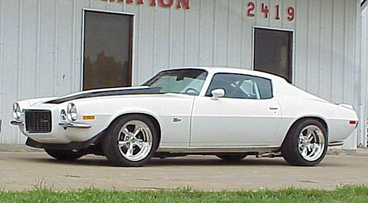 1970 Camaro w/split front bumper. Great body style!