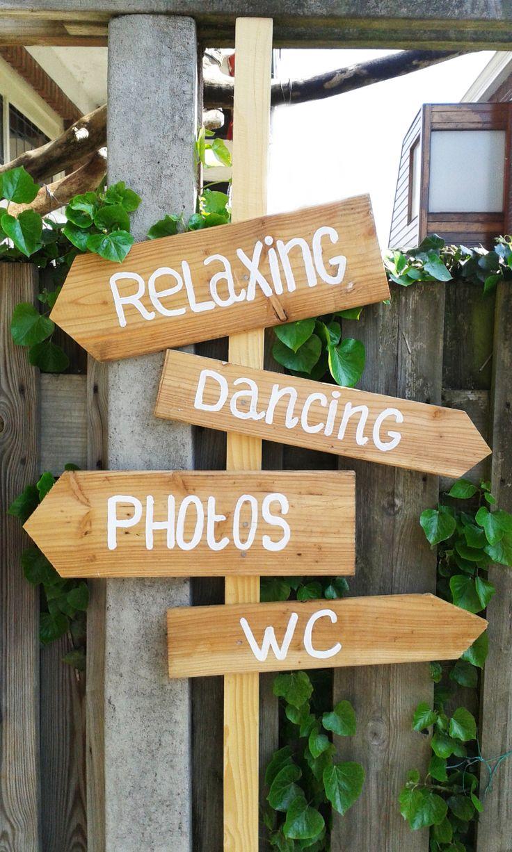 25 beste idee n over bruiloft bar borden op pinterest landelijke bruiloft decoraties - Houten tuin decoratie ...