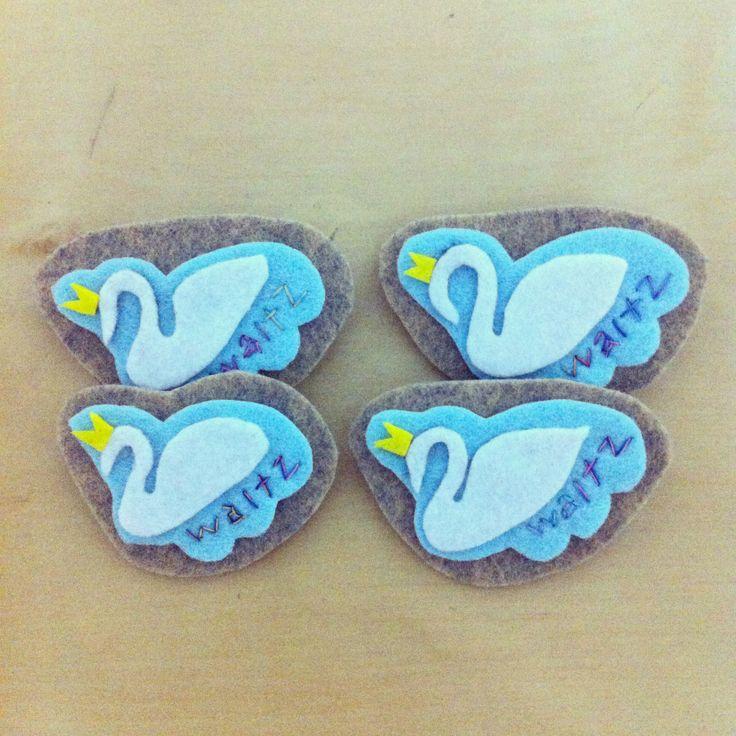 Dancing swans!   #felt #feltcraft #craft #brooch #swan #dance #handmade  Handmade by mama kong.
