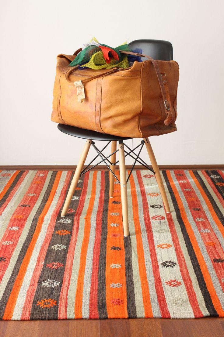 Te encantan las alfombras? Ven y visita nuestro showroom, tenemos esta y muchas más :) Te esperamos!