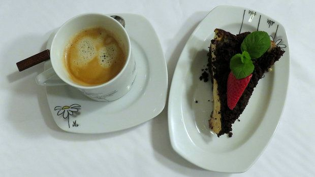Tvarohový dort s kakaovou posypkou