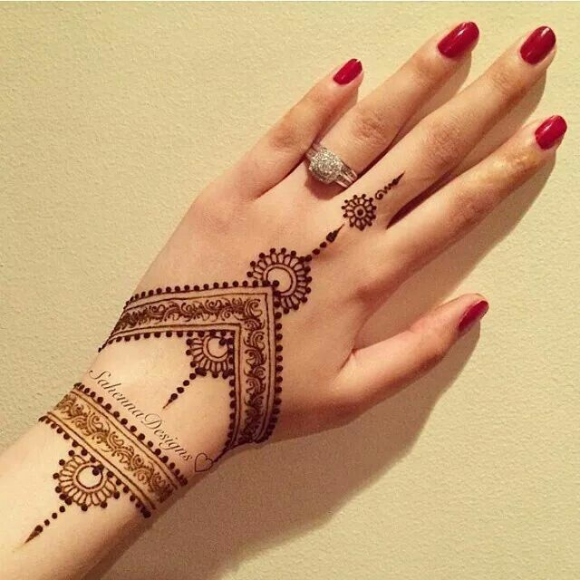 intricate henna design