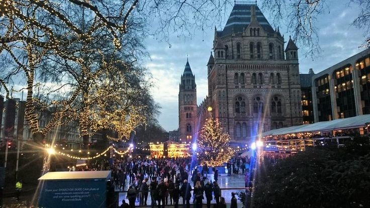 Skating rink in London #friendlylocalguides #london #londontravel #traveltolondon #londonattractions #londonsightseeing
