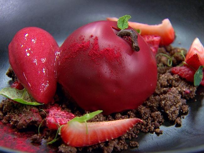 Reynold Poernomo's Forbidden Apple dessert