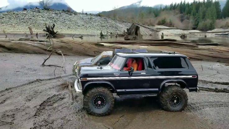Trx-4 Ford Bronco group trailing