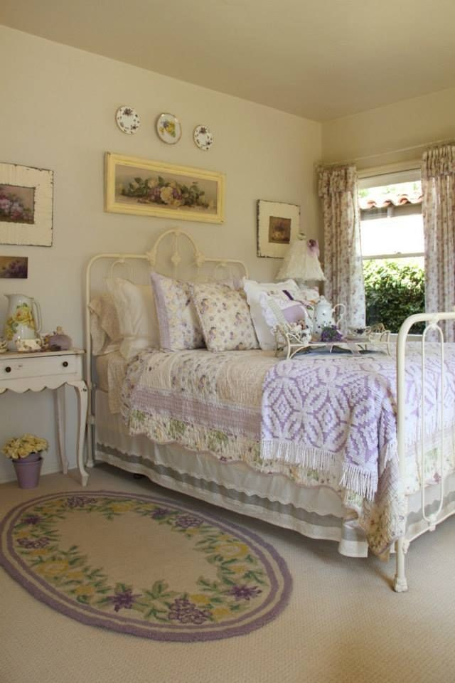 Exceptional Bedroom In Lavender Bedroom Home Vintage Bed Decorate Lavender Shabby Chic  Interior Design   Guest Room, With Purple Quilt Folded Back