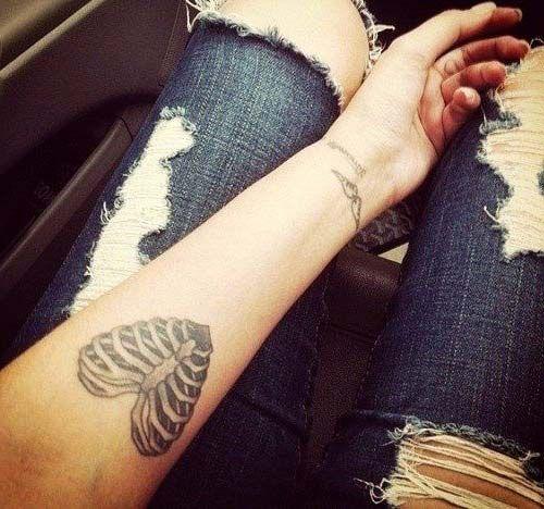 kaburga kalp dövmesi nightmare heart tattoo