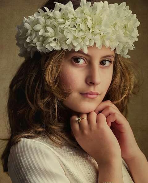 Preciosa diadema de flor de azahar. Ideal para niñas de primera comunión o arras. Consultar colores para encargo
