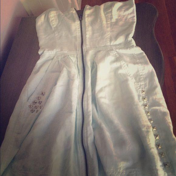 Seneca rising zip up dress Super cute seneca rising dress...light blue...seen on kristin cavalari....new w/o tags...size 1(xs) Seneca Rising Dresses