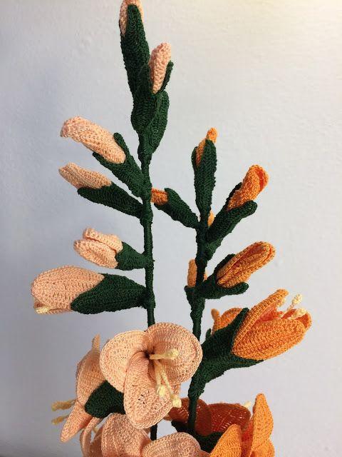 """Un nome il suo dovuto alla forma delle foglie che in latino significa appunto """"piccola spada"""".   Il gladiolo è un fiore conosciuto sin d..."""