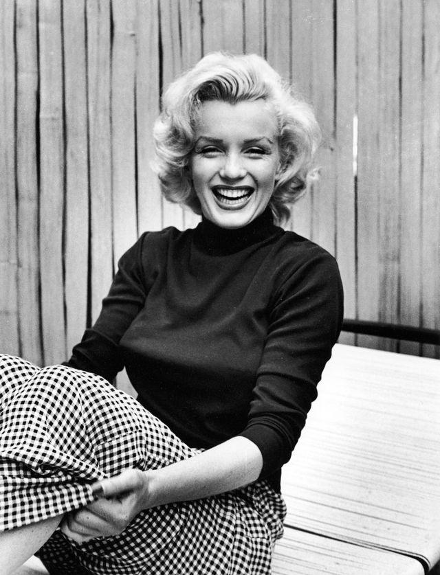 Radikal persönlich: Marilyn Monroe, hochgeschlossen im Mai 1953 im Garten ihres Hauses. Foto: Alfred Eisenstaed (Getty)