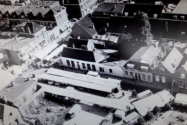 Luchtfoto Tollenstraat / Tollenspleintje met de wekelijkse markt op zaterdag  Rijswijk ZH
