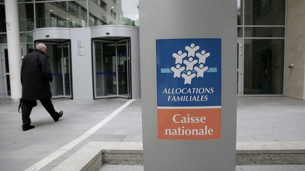 https://www.francebleu.fr/infos/economie-social/apl-pourquoi-la-reforme-des-aides-au-logement-suscite-t-elle-autant-d-inquietude-1474559049     LA REFORME DES APL