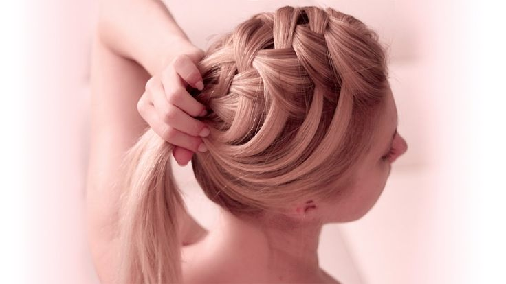 Hey there! In this hair tutorial I'll show you step by step how to create a criss cross waterfall braid - a super cute french braided hairstyle for both medi...