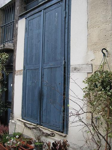 Blue shutters, Marche aux enfants rouges, Paris