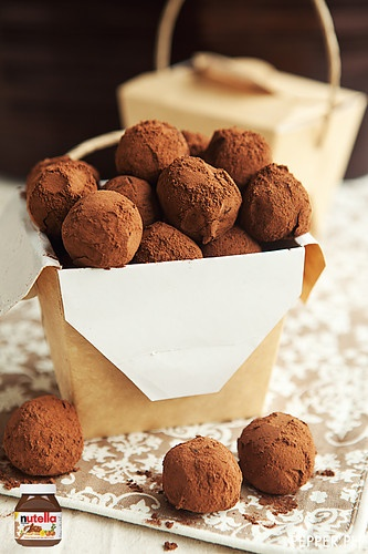nutella truffles: sprinkle with edible glitter.