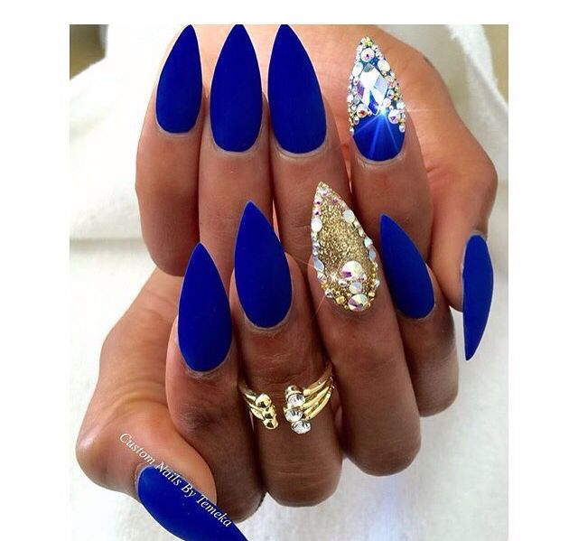 Royal Blue And Gold Nails Follow Me On Insta Uhhh Karen I Follow And Spam Back Royal Blue Nails Blue Stiletto Nails Gold Nails