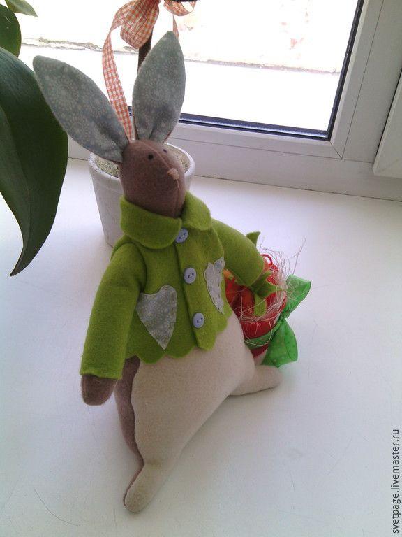 Купить Распродажа! Кролик с подарочком - Пасха, пасхальный сувенир, Пасхальный кролик, пасхальный декор, подарок