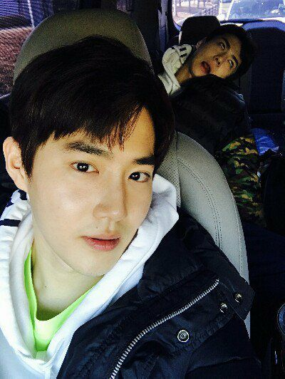 suho (with sehun derping in the background)