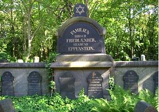 Jüdischer Friedhof Weißensee - - Herbert-Baum-Str. 45, 13088 Berlin - - Öffnungszeiten: Mo – Do 7:30 – 17:00, Fr 7:30 – 14:30, So 8:00 – 17:00, Schabbat (Samstag) und jüdische Feiertage geschlossen